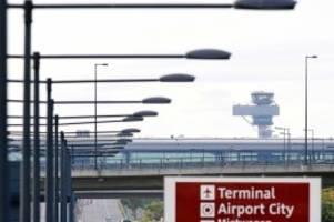 IHK-Forderung: BER-Passagiere sollen kostenlos Bus und Bahn nutzen dürfen