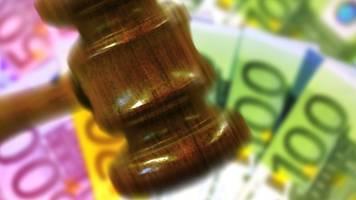 Klamm vor Gericht: Recht bekommen auch mit wenig Geld