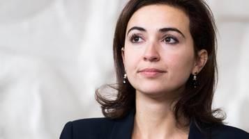 Österreich: rechte hetzen gegen grüne ministerin alma zadic