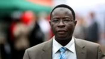 Karamba Diaby: Demokraten sollten ihre Stimme erheben, auch in den sozialen Medien