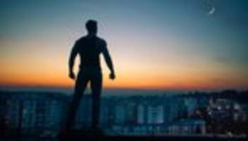 männlichkeit: juckt es im schritt?