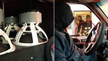 streich bei fast-food-kette: fahrer dreht subwoofer im drive-in auf – dann fliegen die pommes