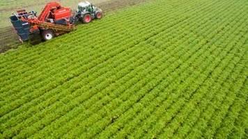 umweltschützer fordern mehr finanzielle hilfe für landwirte beim klimaschutz