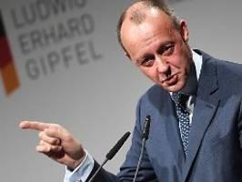 Im Team für nächsten Wahlkampf?: AKK lobt Angebot von Friedrich Merz