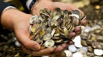 Sparfleiß: Privates Geldvermögen auf Rekordhoch trotz Zinsflaute