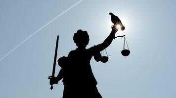 Nach Brand in Imbiss Prozess gegen Pächterin und Betreiber