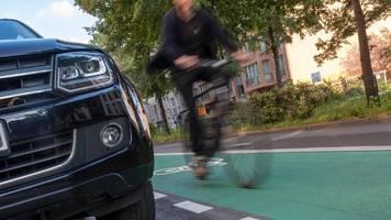 Tempo 30 in Städten? Bundestag will Radfahren sicherer machen