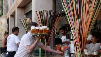 Strafen bis zu 600.000 Euro: Neue Maßnahmen gegen Sauf-Tourismus auf Mallorca und Ibiza