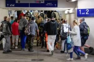 deutsche bahn: traditionsbäcker auf sylt gibt auf – wegen bahn-chaos