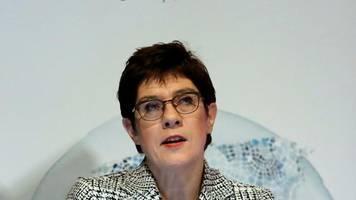 Verteidigungsministerin: Kramp-Karrenbauer will Marineaufträge künftig auch national vergeben