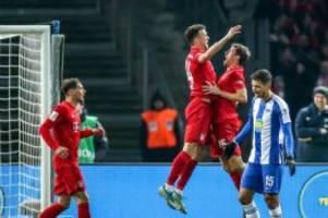 Fußball: Bayern München gewinnt bei Hertha: Nun Zweiter