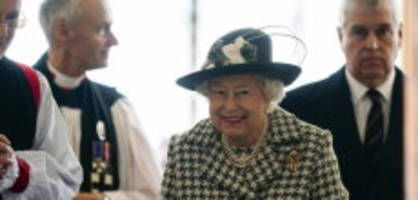 Erster Auftritt nach Megxit: Queen Elizabeth geht in die Kirche - mit Andrew