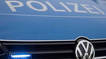 Betrunkener Autofahrer rast in Verteilerkasten: Stromausfall