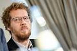 pikanter vorwurf - manipulierte er akten? cdu und fdp erstatten anzeige gegen berliner grünen-stadtrat
