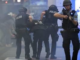 liegestützen werden gestrichen: polizei senkt anforderungen für bewerber