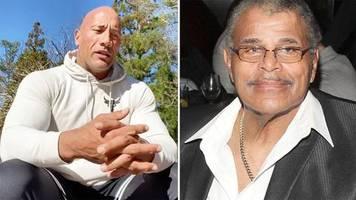 Wrestling-Star: Dwayne The Rock Johnson teilt emotionale Rede über seinen verstorbenen Vater