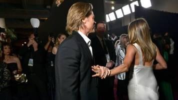 SAG Awards: Ein kurzer Moment der Zärtlichkeit: Brad Pitt und Jennifer Aniston lassen Fans ausflippen