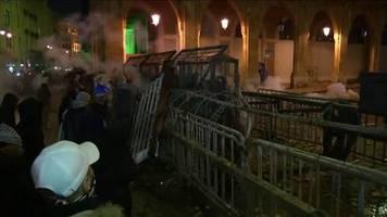 Video: Straßenschlachten in Beirut