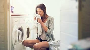 Waschprogramme: Experten erklären: Das machen wir beim Wäschewaschen alle falsch