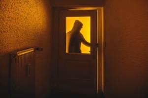 kriminalität : stormarner vertreibt einbrecher mit einer taschenlampe