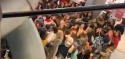 fan-event eskaliert: tiktoker bekriegen sich wegen chaos im glatt
