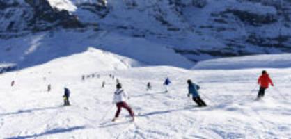 für 2,7 millionen franken : walliser erklären skifahren zum schulfach