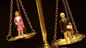 Oxfam-Studie: Männer besitzen 50 Prozent mehr Vermögen als Frauen