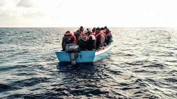 mittelmeer-route: nrw-minister gegen bevorzugung von bootsflüchtlingen