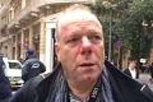 Vorfall in Athen - Rechtsextreme treten bei Demo vier Minuten lang auf deutschen Journalisten ein
