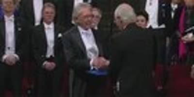 Hier erhält Peter Handke seinen Nobelpreis