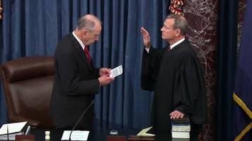 Video: Prozess gegen den Präsidenten der Vereinigten Staaten beginnt