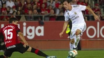 Transfermarkt: Berichte: Bayern an Real-Profi Álvaro Odriozola interessiert