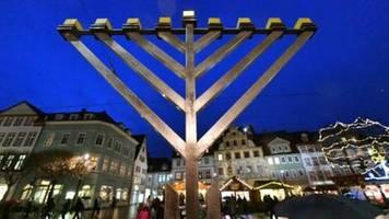 zentralrat der juden beklagt explosion des antisemitismus in deutschland