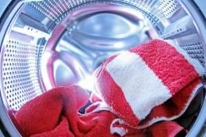 Waschprogramm entscheidend: Studie zu umweltbschonendem Waschen: möglichst kalt und kurz