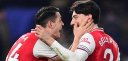 Xhaka spielt durch: Arsenal punktet zu zehnt gegen Chelsea