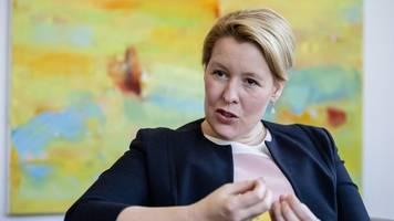 Klose: Fortsetzung von Bundesprogramm für mehr Erzieher