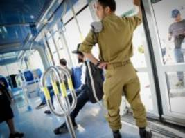 israel: land in uniform