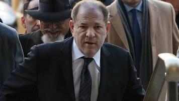 Prozess gegen Filmproduzenten: Ankläger bezeichnen Harvey Weinstein als Sexualstraftäter und Vergewaltiger