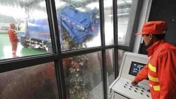 plastikverbot: chinas kriegserklärung an die plastikmüll-lawine