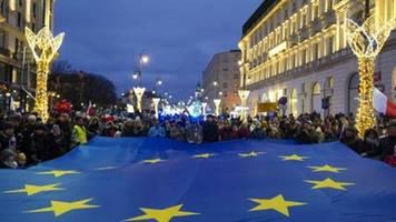 Polnisches Parlament billigt Gesetz zur Bestrafung kritischer Richter