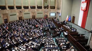 Polens Parlament verabschiedet umstrittenes Gesetz