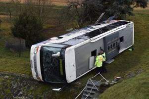 Zwei Kinder bei Schulbusunfall in Thüringen getötet