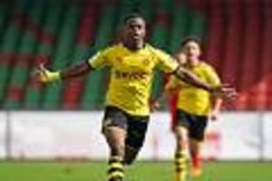 Neue Altersgrenze - Spielt BVB-Super-Talent Moukoko schon nächste Saison Bundesliga?