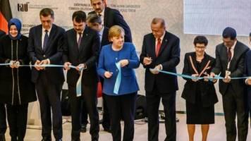 Erdogan warnt bei Merkel-Besuch vor weiterem Chaos im Krisenstaat Libyen