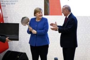 Treffen: Erdogan zeigt sich bei Merkels Besuch plötzlich herzlich
