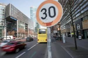 Verkehrsregeln: Berlin fordert Tempo 30 in allen deutschen Städten