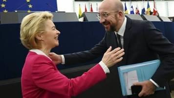Von der Leyen und Michel unterzeichnen Brexit-Abkommen