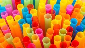 Umwelt: Die Öl-Konzerne wittern das neue Riesengeschäft – und setzen voll auf Plastik