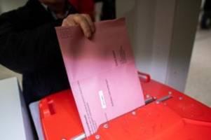 wahlen: 30 tage vor der wahl: politiker dürfen mit plakaten werben
