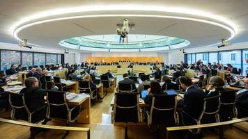 Gedenkveranstaltung für Nazi-Opfer im hessischen Landtag